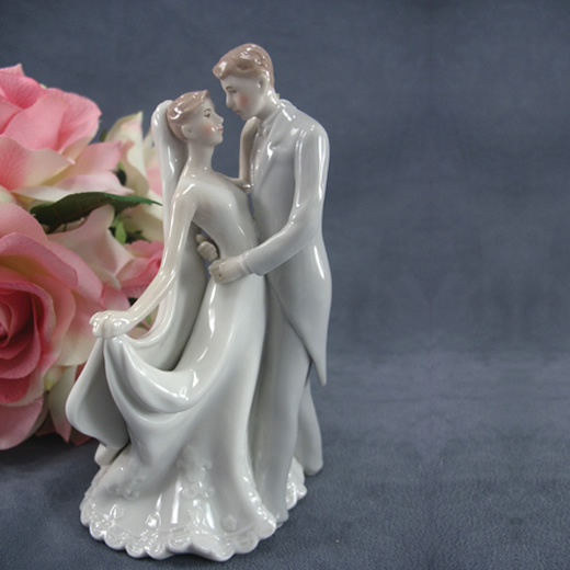 the_first_kiss_cake_topper