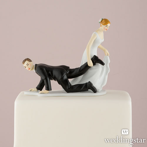 6082_comical-couple-with-the-bride-having-the-upper-hand-cake-topperbaa9fe8d26ce25436071340046198e91