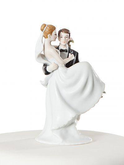 70810 GROOM LIFTING BRIDE-43