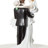70810 GROOM LIFTING BRIDE-44
