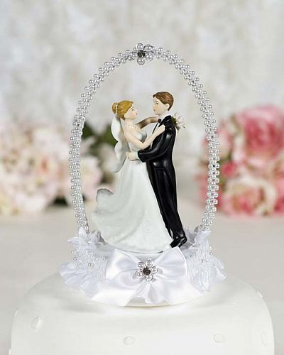 Dancing Bride and Groom with Pearl Elegance Arch Cake Topper