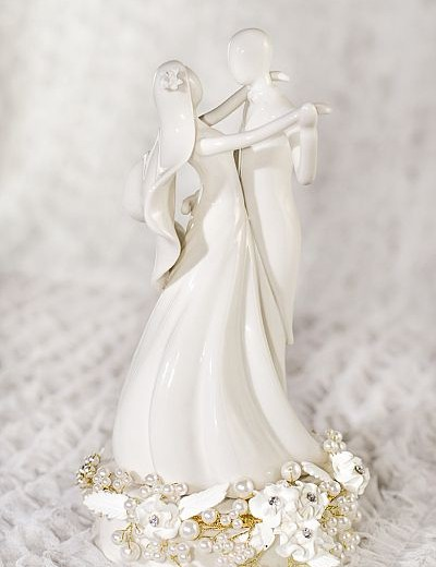 Stylized Dancing Rose Pearl Cake Topper