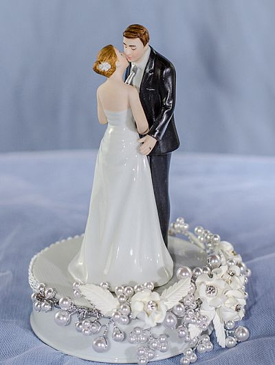 traditional wedding cake toppers quot tie ing the knot quot pearl wedding cake topper 8041