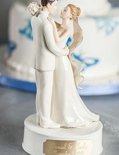 Engraveable Porcelain Bride and Groom Wedding Cake Topper