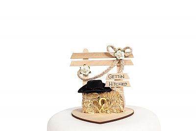 """""""Gettin Hitched"""" Western Wedding Cake Topper"""