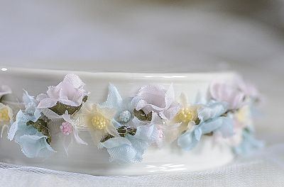 Vintage Glitter Flower Side Arch Porcelain Base