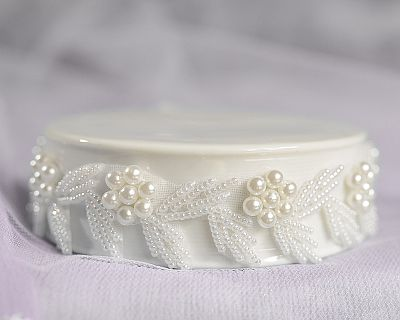 Vintage Pearl Flower Trim Porcelain Base