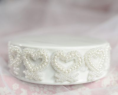 Vintage Pearl and Hearts Trim Porcelain Base