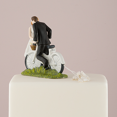 a-kiss-above-bicycle-bride-and-groom-couple-figurine2