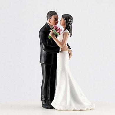 "Cheeky Couple Figurine ""My Main Squeeze"" - Medium Skin Tone"