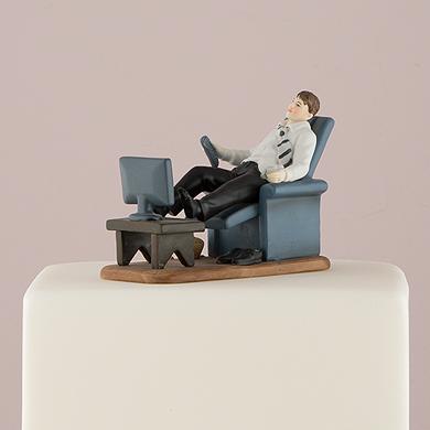 couch-potato-groom-figurine2
