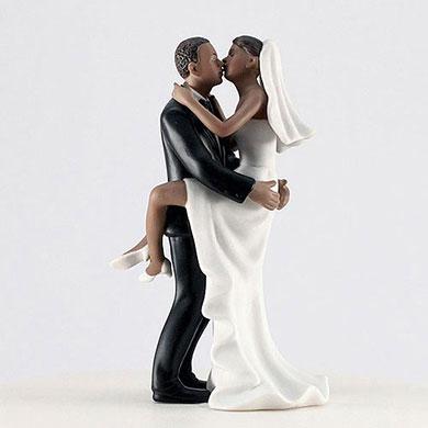 Kissing Couple - Dark Skin Tone