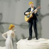 love serenade guitar playing groom figurine5