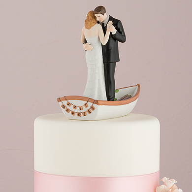 row-away-wedding-couple-in-rowboat-figurine2