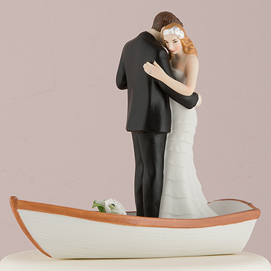 row-away-wedding-couple-in-rowboat-figurine3
