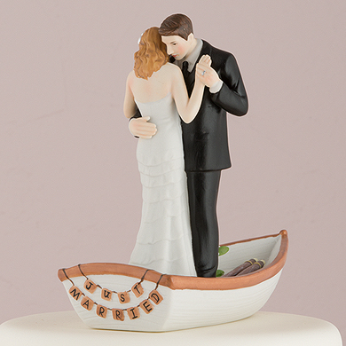 row-away-wedding-couple-in-rowboat-figurine4