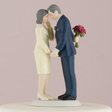 still-in-love-mature-couple-figurine3