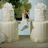 the-look-of-love-bride-and-groom-couple-figurine4