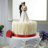 yes-to-the-rose-bride-and-groom-couple-figurine4