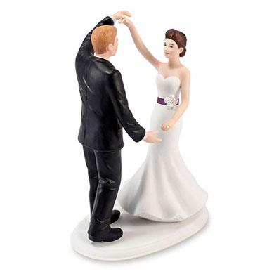 Dancing The Night Away Wedding Couple Figurine3