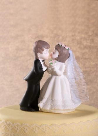 Porcelain Kissing Couple