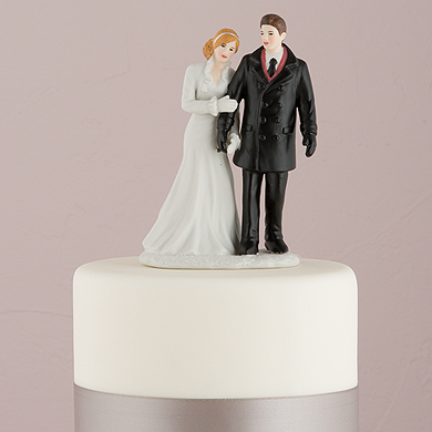 Winter Wonderland Wedding Couple Figurine3