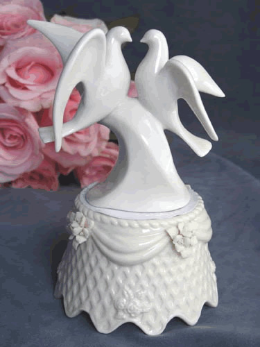 Dove Porcelain Base