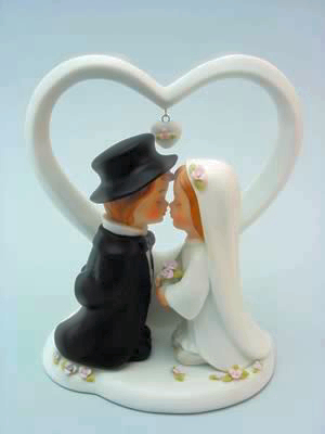 Cute Kissing Couple With Heart